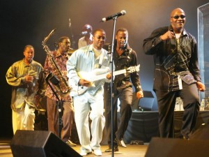 kool-and-the-gang-in-concert.jpg
